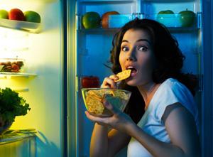 Nachts am Kühlschrank